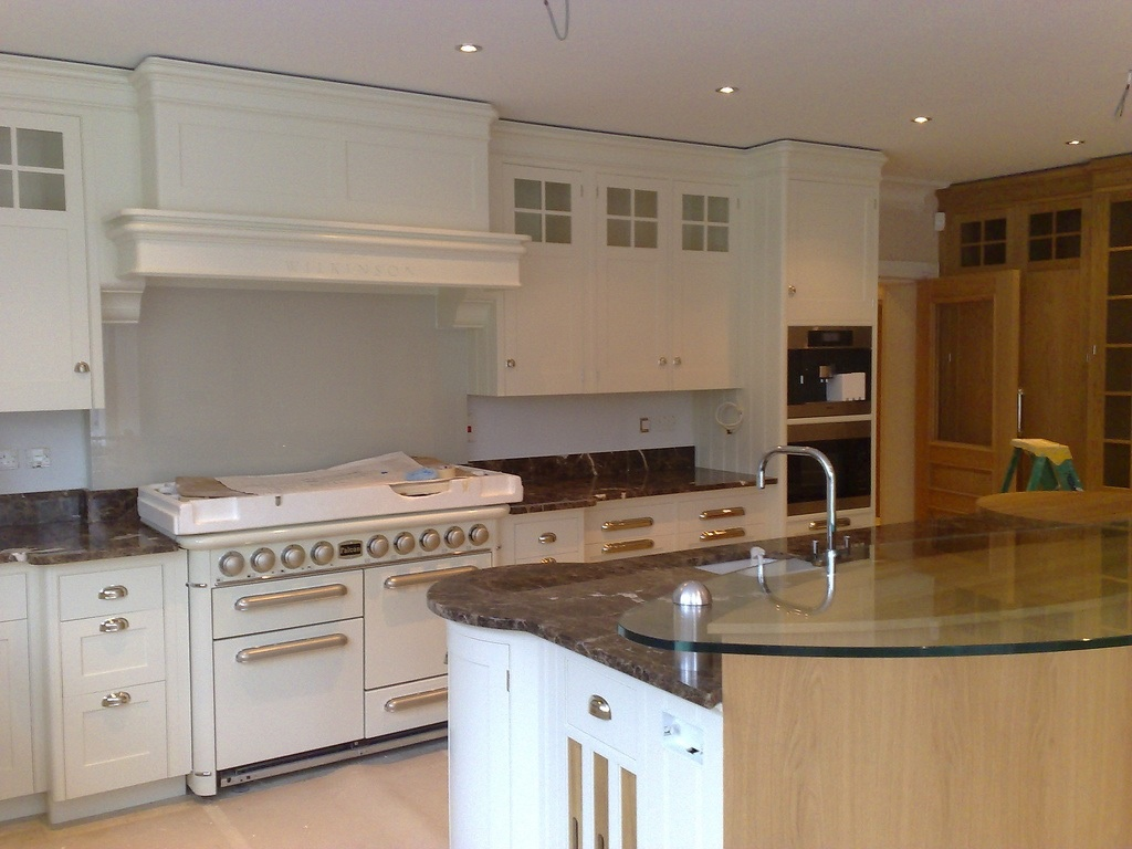 Hand painted kitchens london kevin mapstone for Can you paint non wood kitchen cabinets