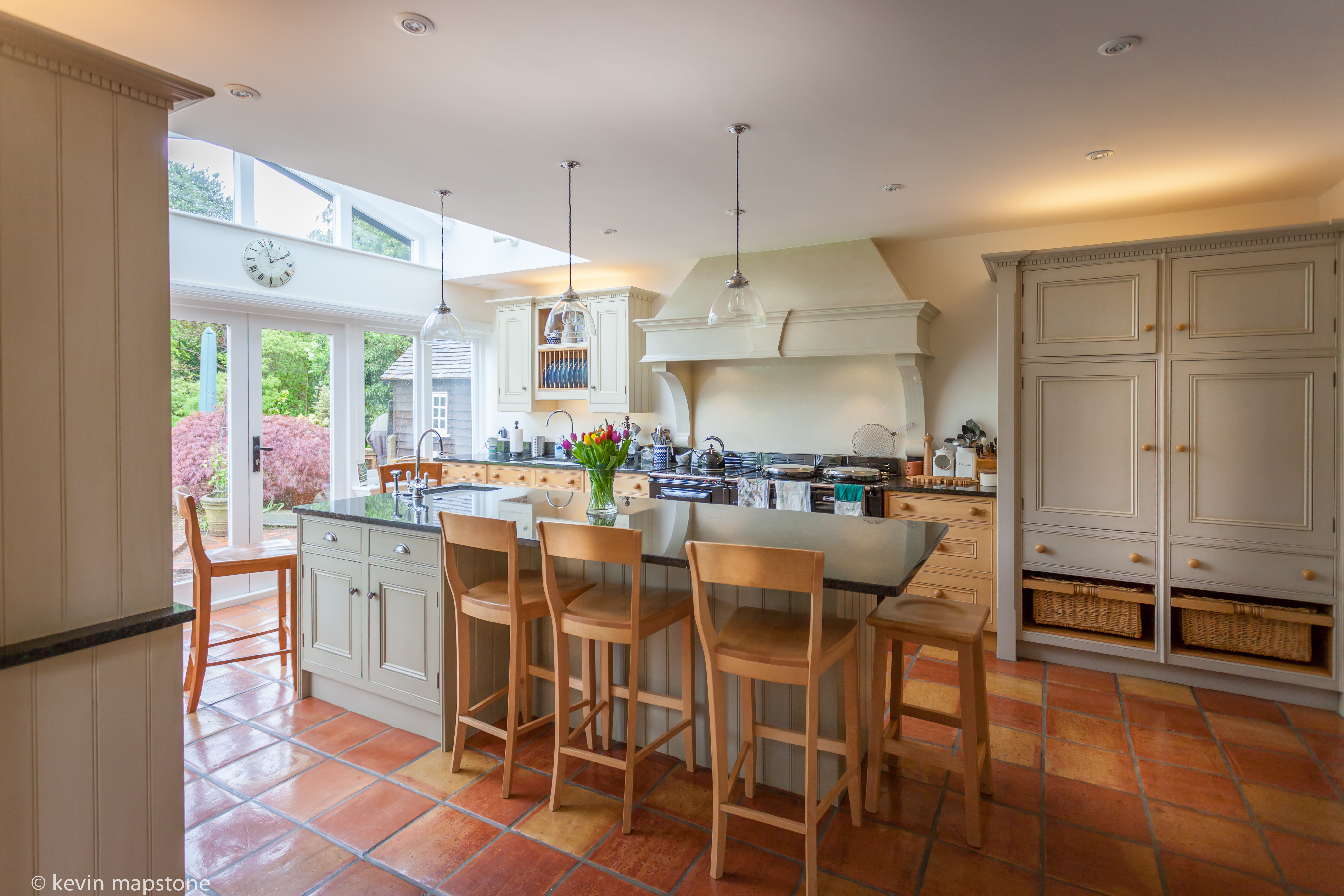 hand painted kitchen cabinets gerrards cross buckinghamshire - Hand Painted Kitchen Cabinets