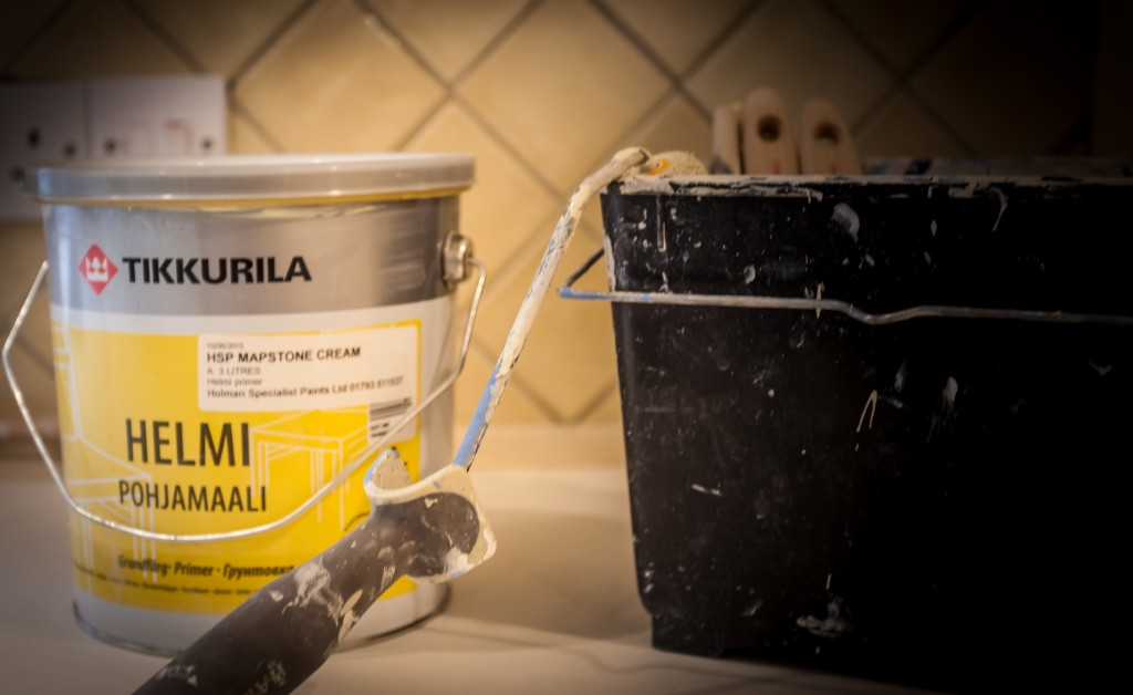 Hand painted kitchen Wiltshire Swindon | Helmi paint used on a repaint of a bespoke kitchen in Wiltshire | Swindon