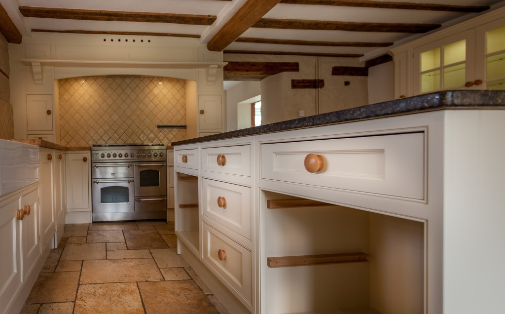 Hand painted kitchen Wiltshire Swindon | finished kitchen hand painted by Kevin & Tom Mapstone.