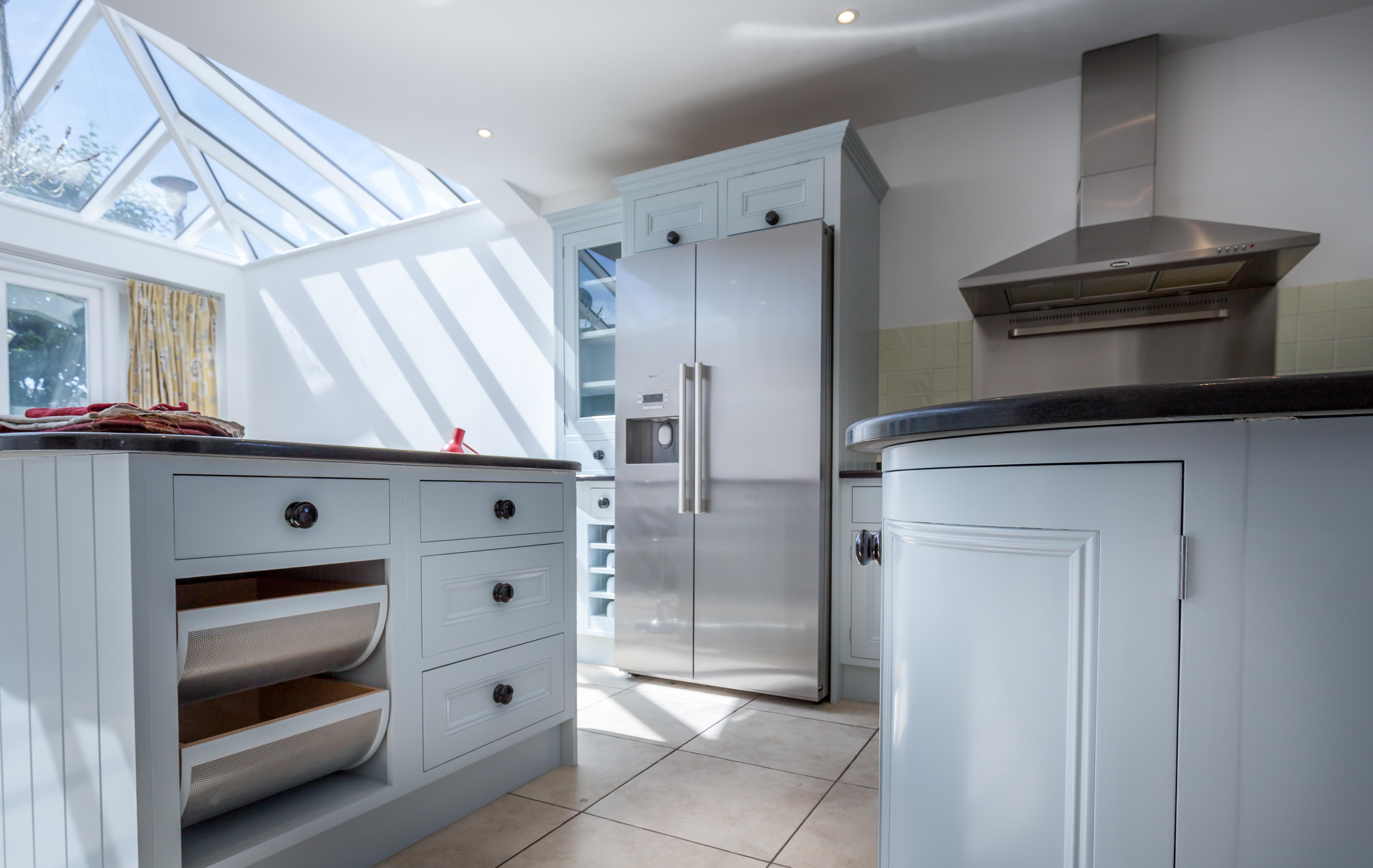 Hand painted kitchen Berkshire Windsor | Kevin Mapstone